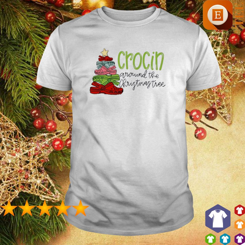 Crocin around the Christmas tree shirt